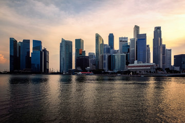 Fototapete - View of Marina Bay at sunset in Singapore City