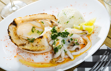 Fried cuttlefish served with rice