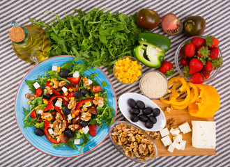 Image of ready-made salad and its ingredients