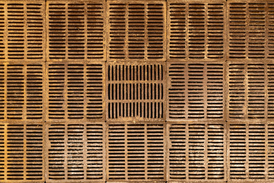Metal floor square grilles with slotted holes for draining melt water into the sewer
