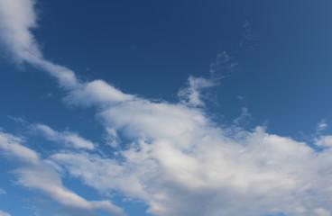 雲が浮かぶ青空