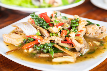 Stir-fried spicy and herb