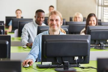 Studenten im Computer Seminar