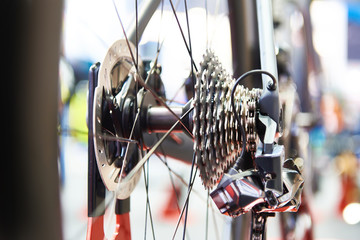 Derailleur gears of bicycle