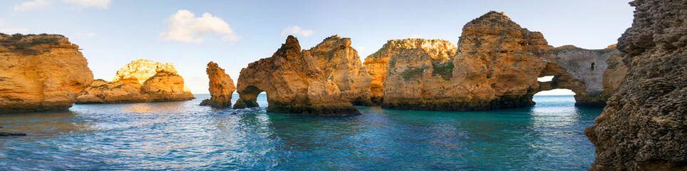 Rocky coast of Lagos, Portugal Fotomurales