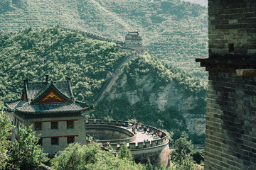 Great Wall of China on mountain during sunny day