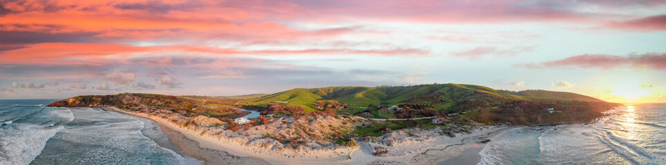 Foto op Plexiglas Kangoeroe Snelling Beach in Kangaroo Island at sunset. Aerial view