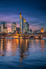 Fototapete - Frankfurt am Main, Germany. Cityscape image of Frankfurt am Main skyline during beautiful sunset.