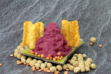 Nationalgericht, Hummus mit Linsenchips