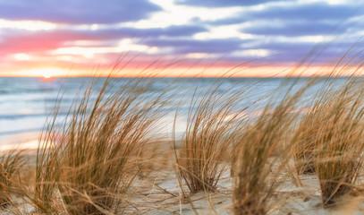Sonnenaufgang am Sand Strand auf Rügen bei Lobbe