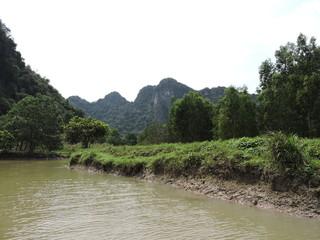 Flußlandschaft Trockene Halong Bucht