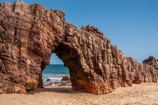 Jericoacoara, Ceará, Brasil. Outubro de 2018. Pedra Furada, ponto turístico em Jericoacoara.