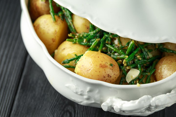 Boiled new potato with fresh samphire and garlic