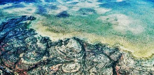Unterwasser-Landschaften von oben, wie ein Gemälde