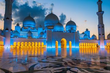 Canvas Prints Abu Dhabi Sheikh Zayed Grand Mosque in Abu Dhabi, United Arab Emirates