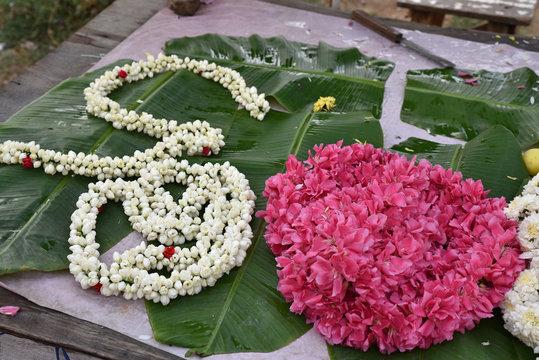 Fleurs au marché de Madurai, Inde du Sud