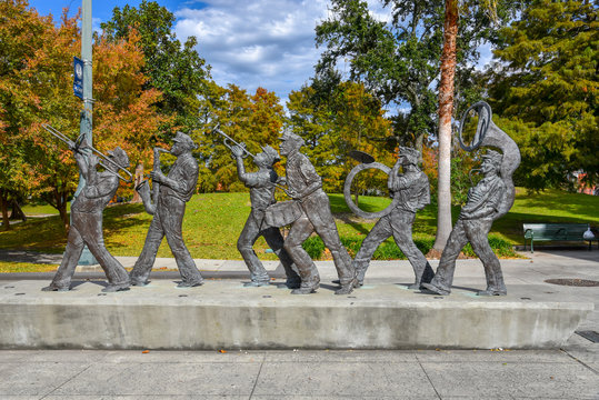 Sculpture of a music band in the Louis Armstrong park in NOLA (USA)