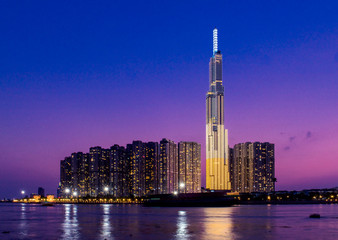 Landmark 81 is a super-tall skyscraper in Ho Chi Minh City, Vietnam. Landmark 81 is the tallest building in Vietnam and the 14th tallest building in the world Fotomurales
