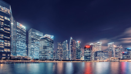 Fototapete - View of Marina Bay at dusk in Singapore City