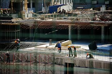 Construction is (reportage-a genre long-range plan)