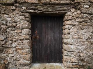 Porte ancienne de grange
