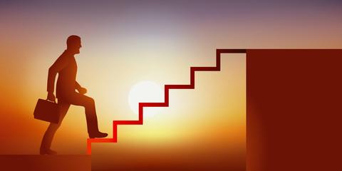 Concept de la réussite et de l'ascension d'un homme d'affaires dans la hiérarchie de son entreprise, en montant symboliquement des escaliers pour atteindre à la place convoitée de leader.