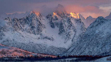 Burning mountains - brennende Berge