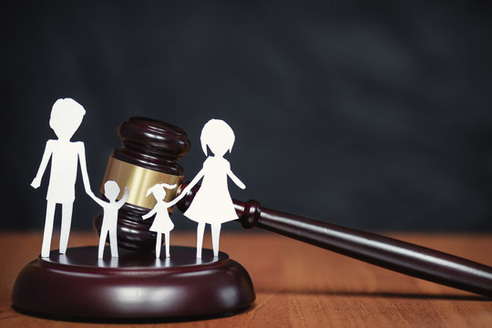 Legal Area children. Section of children during a divorce. Children's legal zone. Family law, the concept of family law in court. Court and the rights of the family and children.
