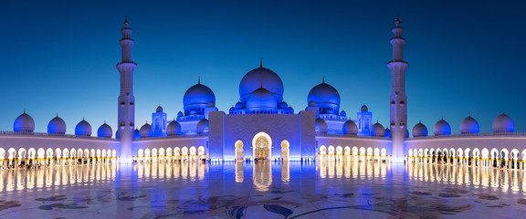 Panorama of Sheikh Zayed Grand Mosque in Abu Dhabi near Dubai at night, United Arab EMirates