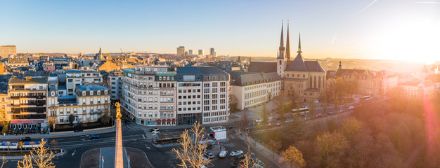 Aerial view of Luxembourg in winter morning Fototapete