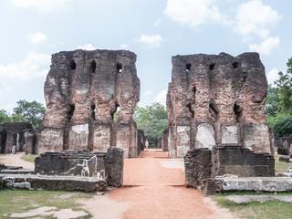 ruined palace, polonnaruwa