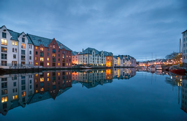 Foto auf Acrylglas Nordeuropa City of Alesund in middle Norway, Scandinavia,
