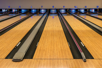 Bowling lane on ready but nobody