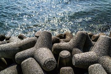 Wave block blocked at the coast of Hayama.