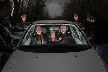 les 7 clones en voiture