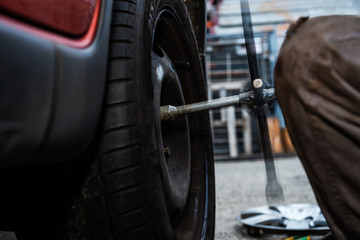 Tire replacement service, fitting with balancing, change to winter