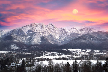 Photo sur Aluminium Lavende Zakopane at night in the light of the moon.