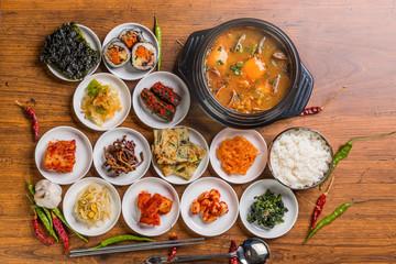 スンドゥブ 豆腐チゲ 韓国のグルメkimchi sundubu-jjigae Korean food
