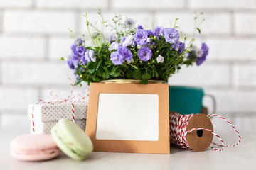 Fotoväggar - Gift boxes and flowers on white wall background