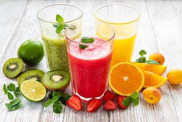 Foto auf AluDibond Saft Healthy fruit smoothies