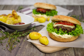 Burgers with potatoes