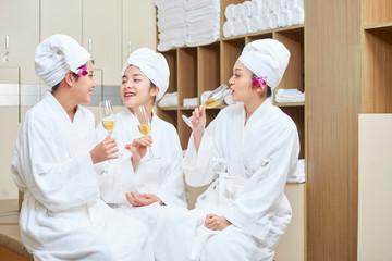 Bachelorette in spa salon