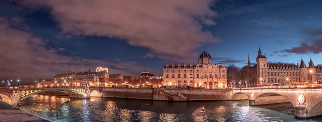 Panoramic of Paris - Island of city