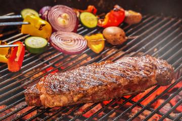 アウトドアでバーベキュー Barbecue party outdoors
