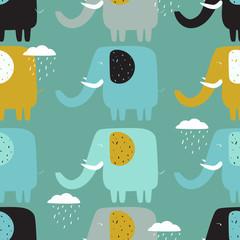 Éléphants heureux, nuages, toile de fond dessinée à la main. Modèle sans couture coloré avec des animaux et des gouttes d& 39 eau. Papier peint décoratif mignon, bon pour l& 39 impression. Vecteur de fond qui se chevauchent