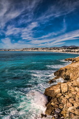 Steinküste in Nizza, Frankreich
