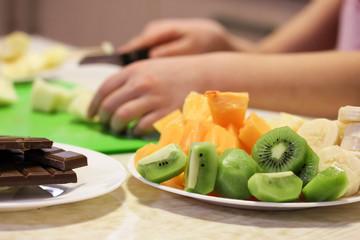 Preparation of fruit salad