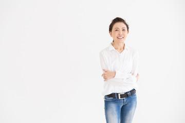 笑顔のシニア女性