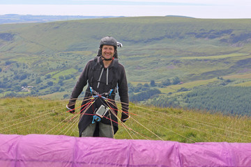 Fototapete - Paraglider launching wing in the Brecon Beacons