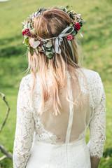 Obraz Panna Młoda na sesji ślubnej - fototapety do salonu
